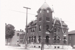Picture of the Old Post Office in 1927 with the bell situated at the back of the clock tower.